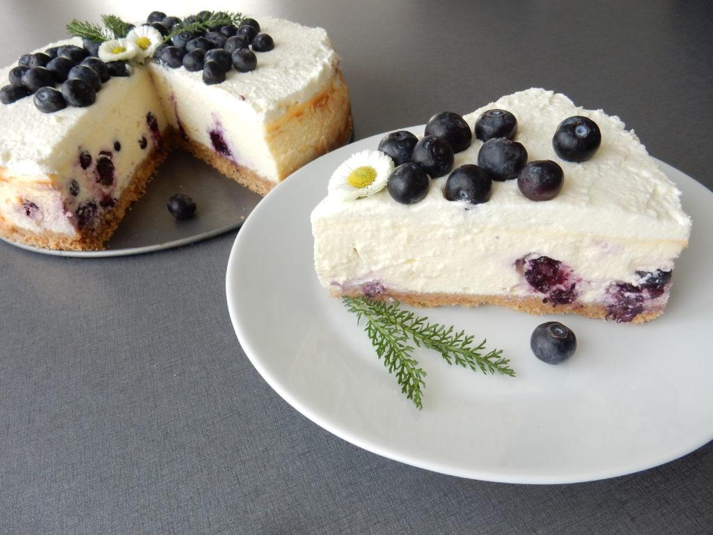 Borůvkový cheesecake z domácí lučiny