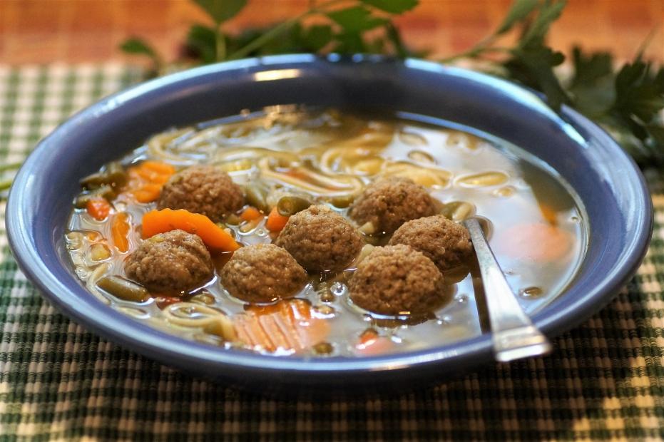 Co dát do polévky? Játrové knedlíčky a játrovou rýži