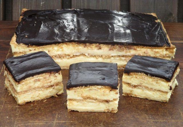 Tvarohový koláč na sušenkách, Příprava trvá jen 20 minut a chutná skvěle