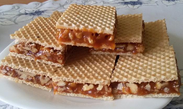 Křupavé oříšky v karamelu a oplatce – GRILÁŽKY
