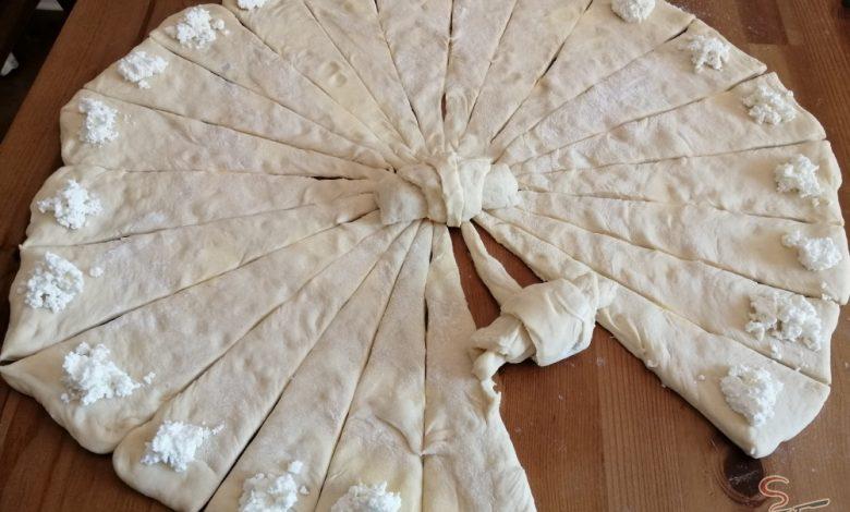 Mini skládané máslové rohlíčky s tvarohovou náplní