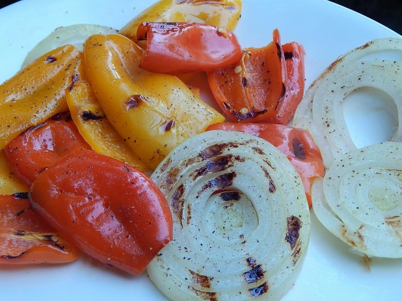 Grilovaná zelenina a česnekový dip