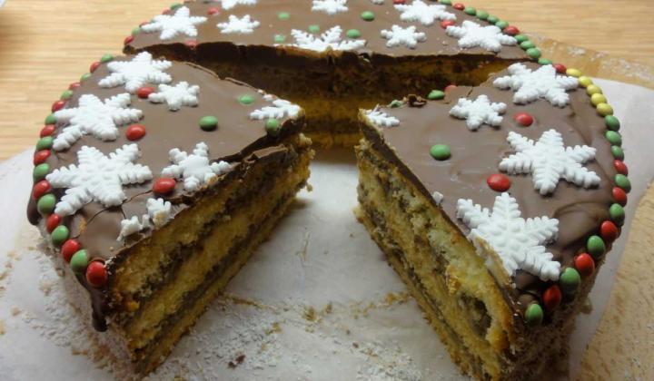 Jak upéct vánoční dort s lehkým krémem s příchutí Melty   recept
