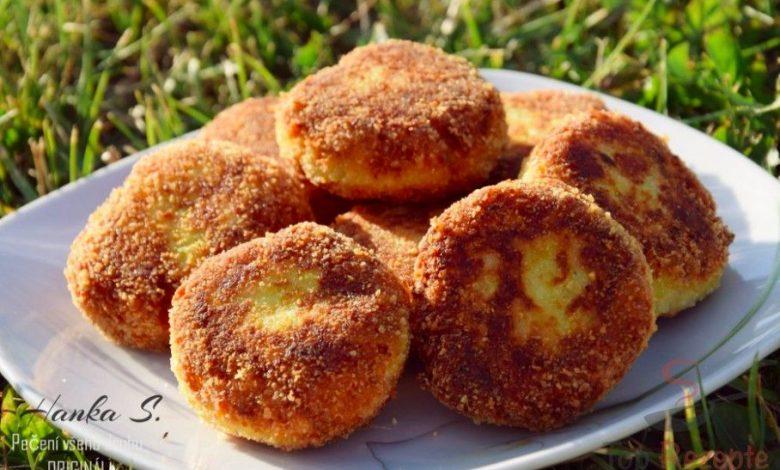 Cuketové placičky se sýrem a česnekem