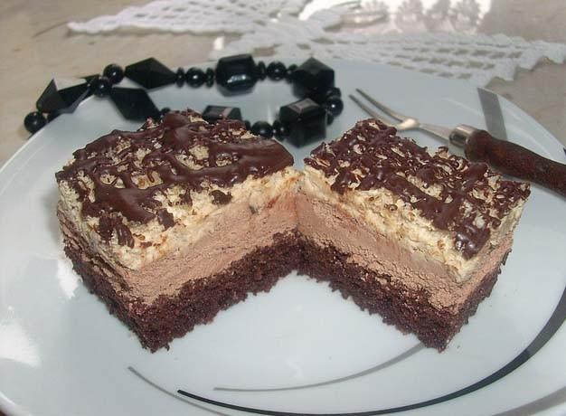 Čokoládové řezy s ořechy