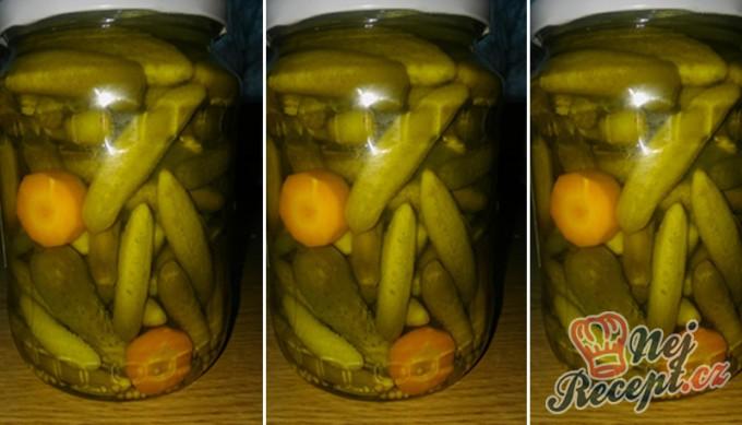 Nakládané okurky ve sladkokyselém nálevu