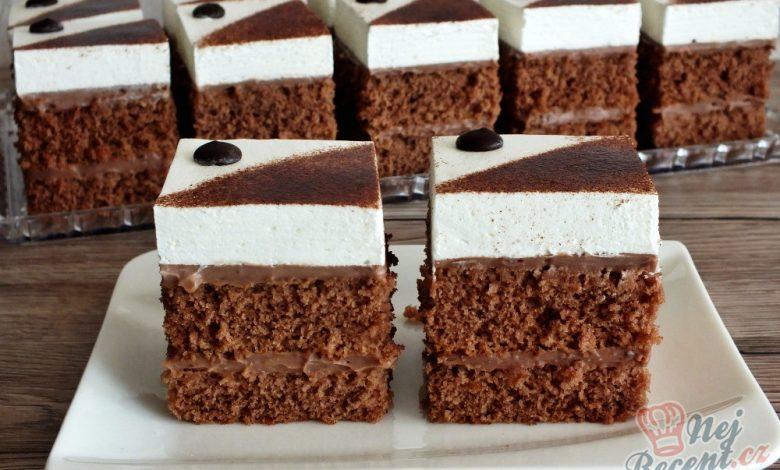 Nadýchaný kakaovo-šlehačkový koláček