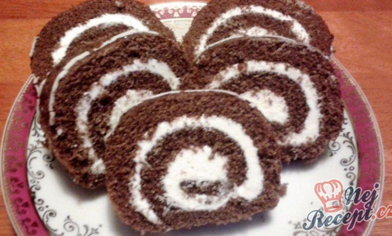 Kakaová roláda s tvarohovou náplní