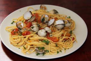 Těstoviny se srdcovkami (pasta alle vongole): Opravdu jednoduchý recept!