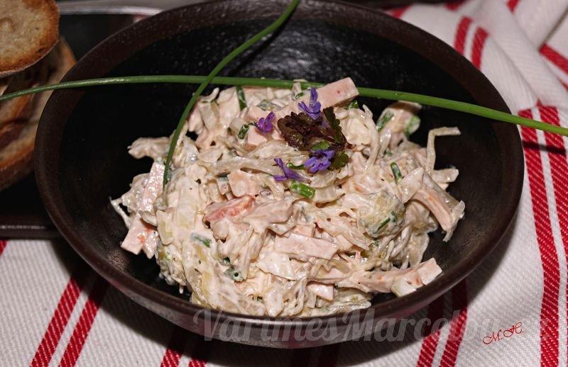 Lahůdkový zelný salát