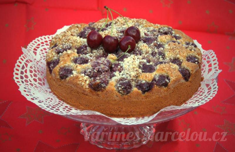 Třešňový dortík s ořechy