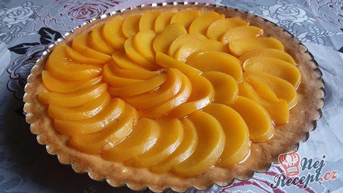 Nejjednodušší ovocný koláč se želatinou