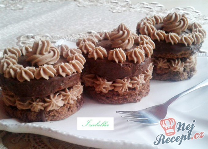 Sacher mini dortíky – FOTOPOSTUP