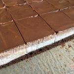 Nadýchaný šlehačkový zákusek s čokoládou