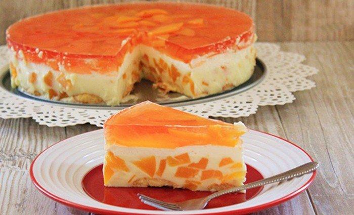 Broskvový nepečený dort