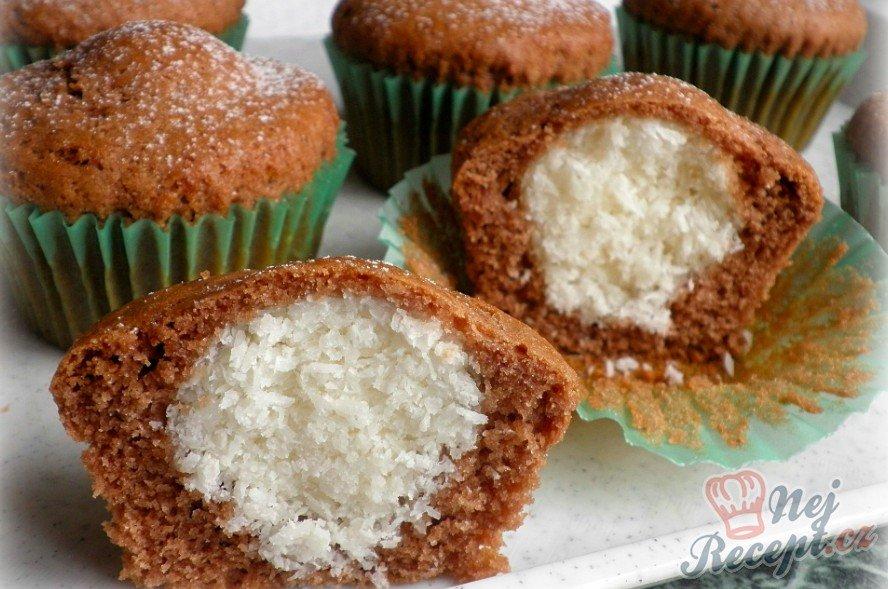 Muffiny s kokosovou náplní
