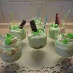 Tvarohový dezert s pudinkem a hrozny