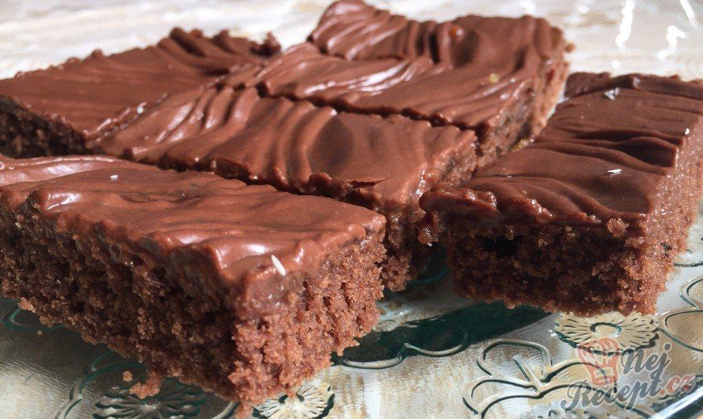 Fantastický koláč Nescafé se smetanovo čokoládovou pěnou