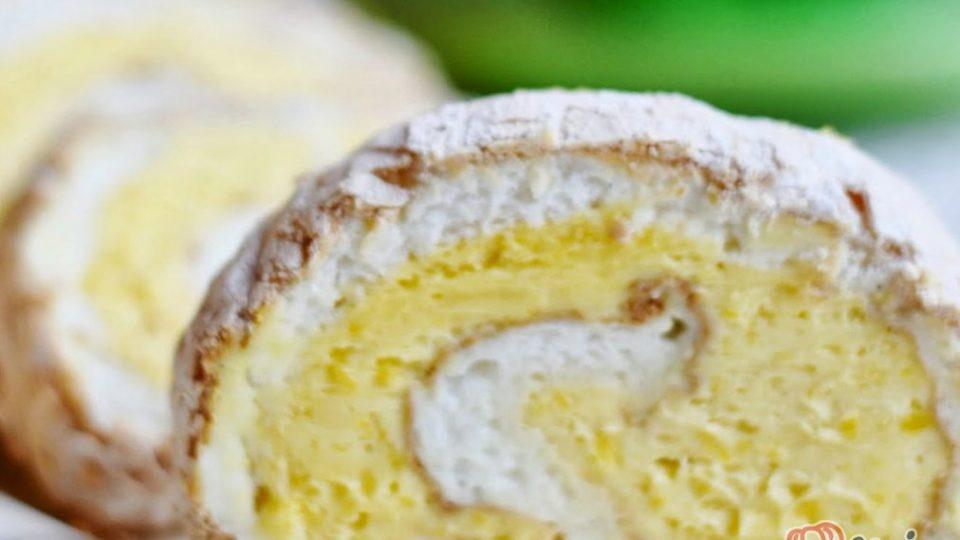 Bílková roláda bez mouky s citrónovým krémem