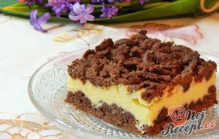 Strouhaný tvarohový koláč s kakaem